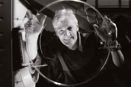 El multimillonario James Dyson construirá un coche eléctrico para el 2020 – planea invertir $3 mil millones de su propio dinero