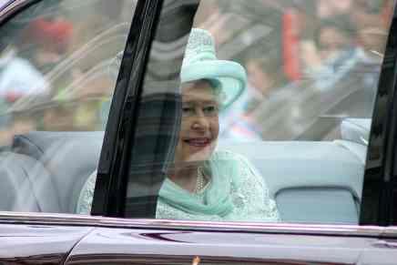 El Bentley de la reina Isabel II del Reino Unido será subastado en Londres