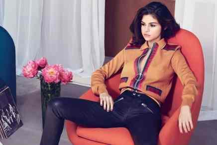 Selena Gomez se asocia con COACH para una colección especial de artículos de cuero y accesorios