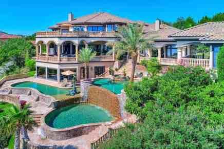 Esta propiedad de ensueño frente a un lago en Texas ¡y con un tranvía privado! sale a la venta por solo $4,695 millones