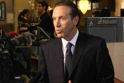 Howard Schultz ¡De la pobreza a la riqueza! Como el dueño de Starbucks se convirtió en unos de los multimillonarios del mundo