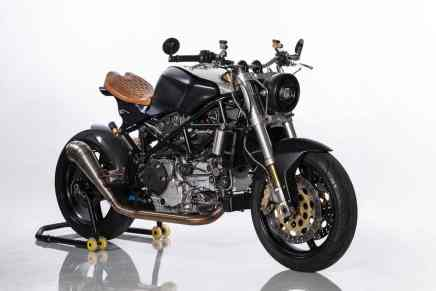 ¡Apta para un rey! Ducati ST4S Cafe Fighter por Ozz Customs