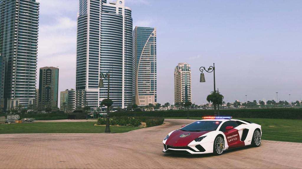Lamborghini Aventador Coupe se une a la flota del Ministerio de Interior de los EAU