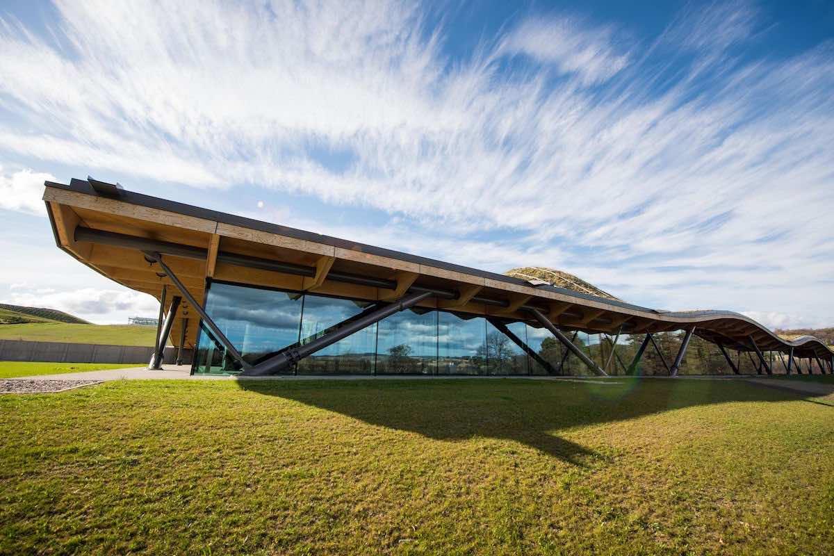 The Macallan presenta su nueva y reluciente destilería de $250 millones