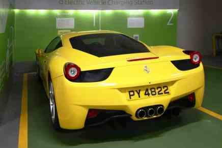 Pareja de Hong Kong se embolsa $327.000 de una inversión de $433.000… por un estacionamiento