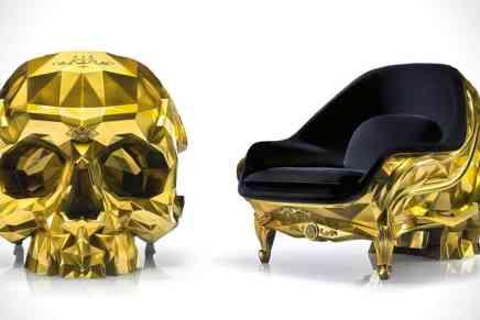 Harow ha diseñado el trono perfecto para los chicos malos: El Gold Skull Armchair bañado en oro de 24 quilates a un precio de $500.000