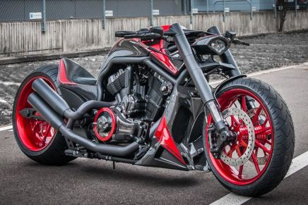"Harley Davidson V Rod: Potente motocicleta inspirada en el Koenigsegg AGERA-R por ""No Limit Custom"""