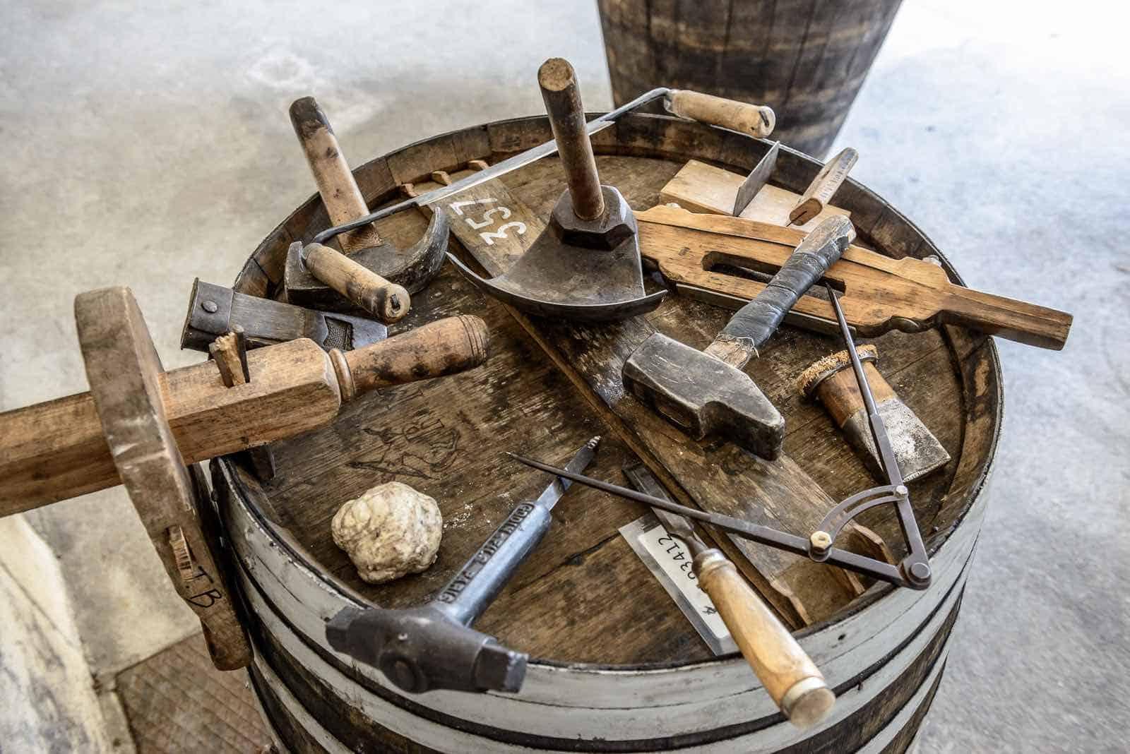Las tierçon: barricas centenarias que resguardan el sabor de LOUIS XIII