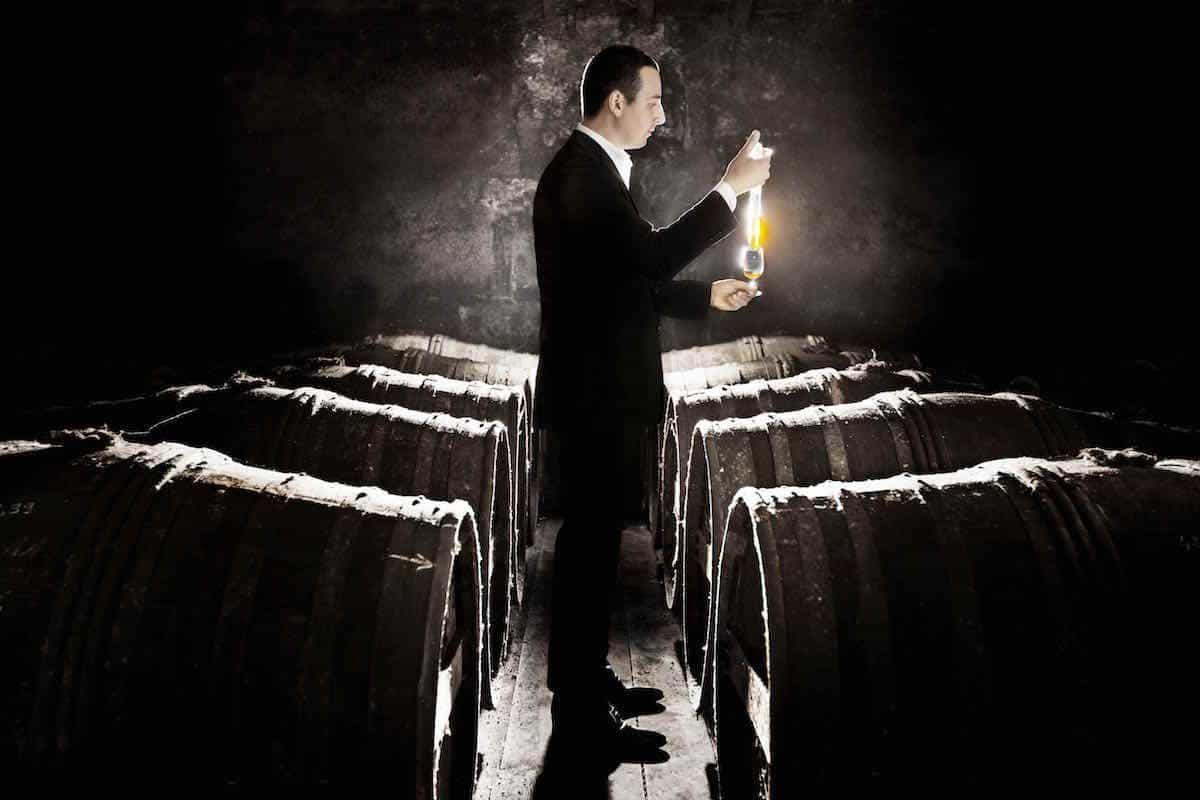 """LOUIS XIII presenta so """"decantador inteligente"""""""