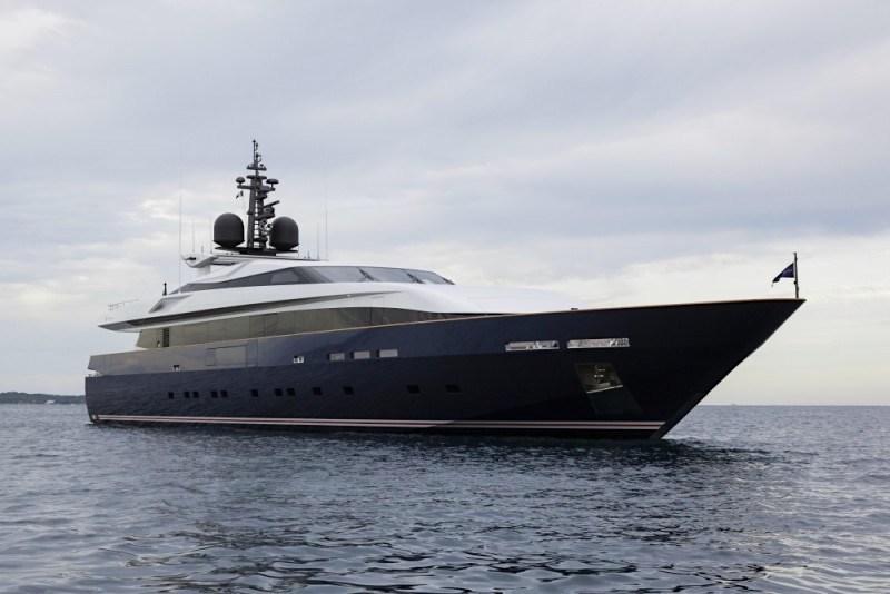 El enorme y súper lujoso yate Pachamama de Baglietto se adueñó de los mares