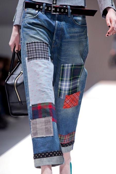 Какой декор джинсов моден в 2019 году?