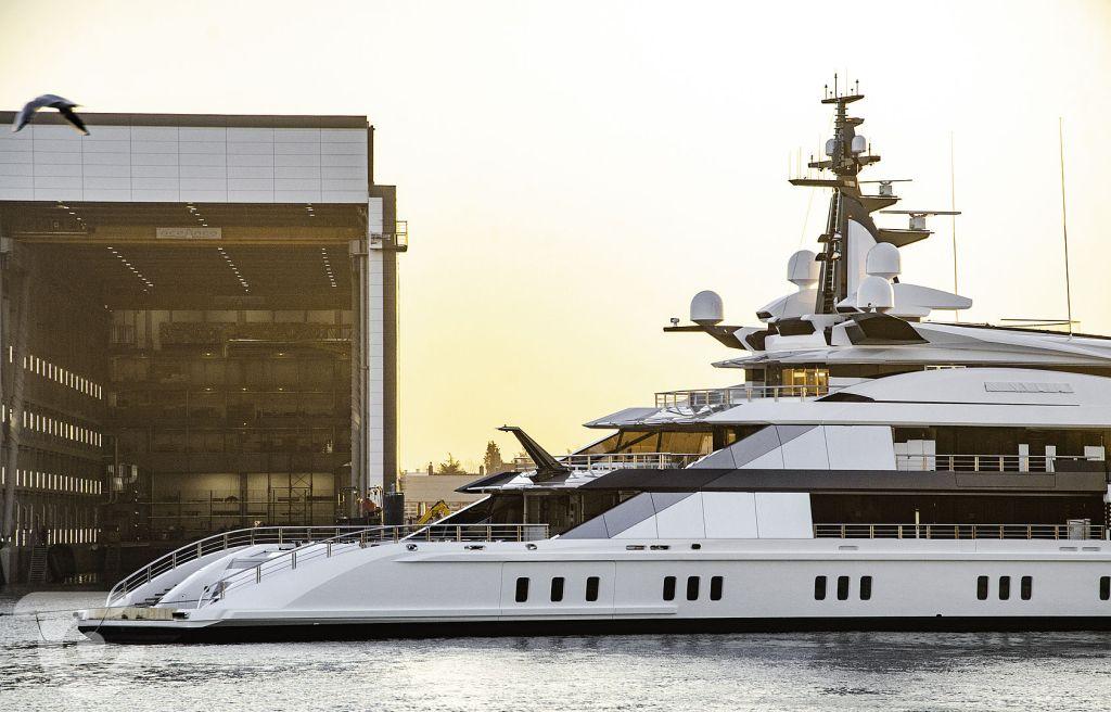 entering the port photo of super yacht bravo eugenia