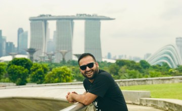 A happy moment captured at Marina Barrage.