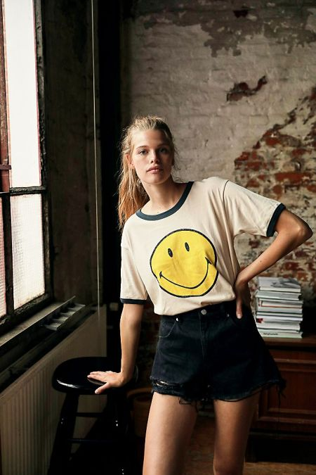 Smiley face graphic tee