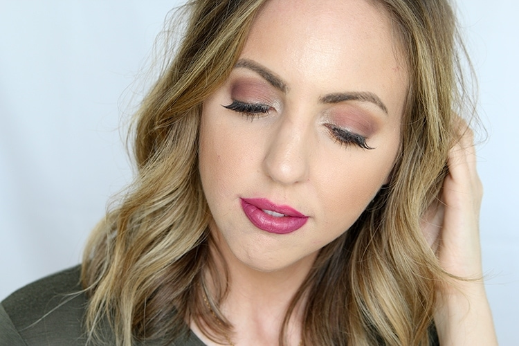 fall beauty trends anyone can pull off - cranberry eyeshadow