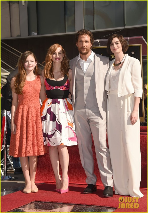 jessica-chastain-anne-hathaway-walk-of-fame-03