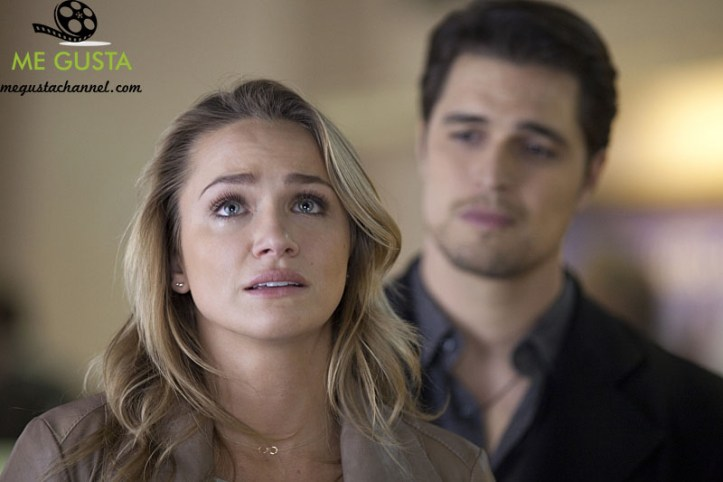 """The Messengers -- """"Houston, We Have a Problem"""" -- Image Number: MES113a_0803.jpg -- Pictured (L-R): Shantel VanSanten as Vera and Diogo Morgado as The Man -- Photo: Cathy Kanavy/The CW -- © 2015 The CW Network, LLC. All rights reserved."""