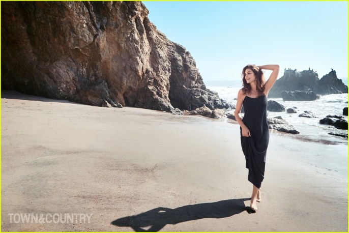 cindy-crawford-town-country-02