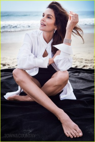cindy-crawford-town-country-03
