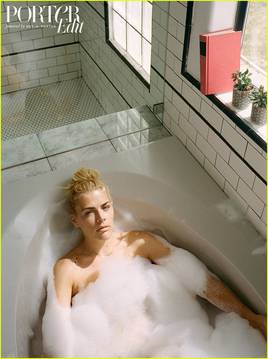 busy-philipps-the-edit-01