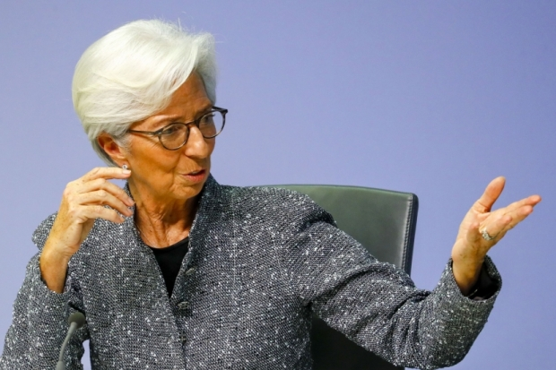 ZSchneeweiss: Lagarde says efforts to promote women aren't going far enough via @cbSwiss