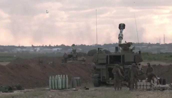 NOW - Non-stop IDF artillery fire in the direction of #Gaza.LIVE: