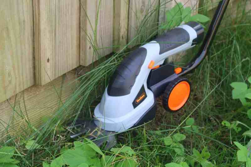 VonHaus 2 In 1 Grass And Hedge Trimmer