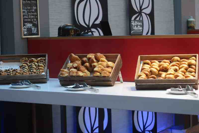 Novotel London Waterloo breakfast