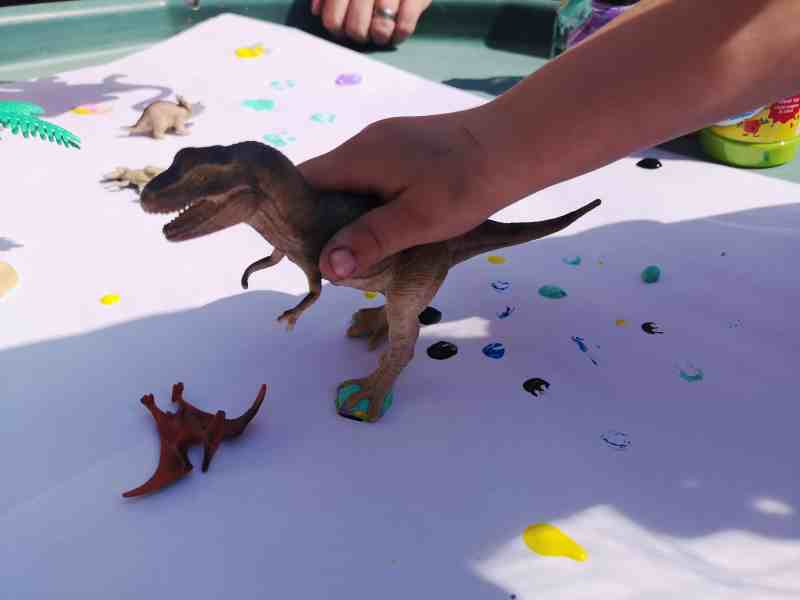 Painting With Dinosaurs Tuff Tray