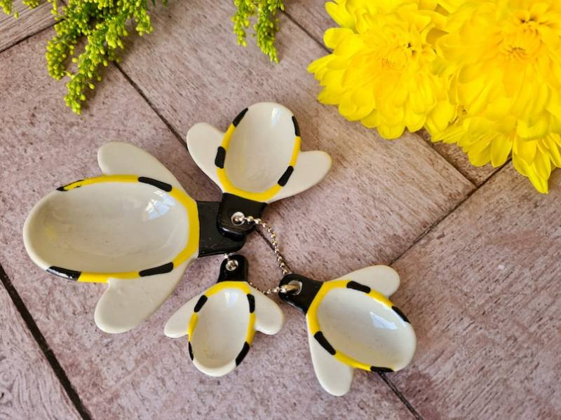 Red Candy bee measuring spoons