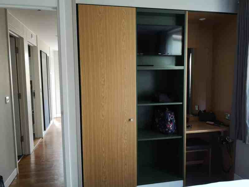 Center Parcs 3 Bedroom New Woodland Lodge bedroom storage