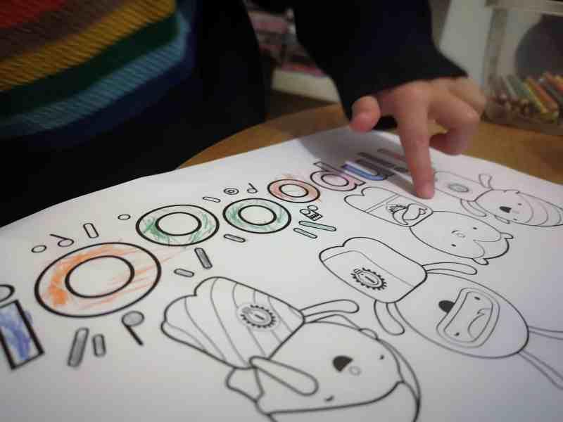 Tinpo colouring activity