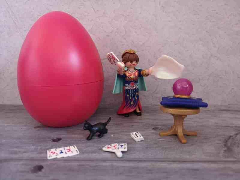 Playmobil pink Easter egg
