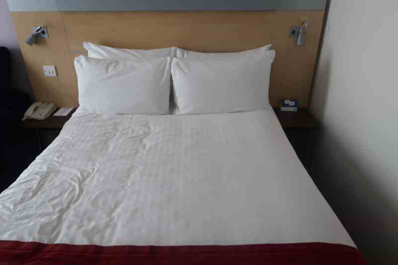 Holiday Inn Express London - Stansted Airport Hotel double bed