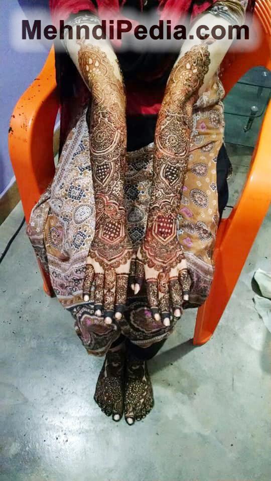 bridal mehndi foot