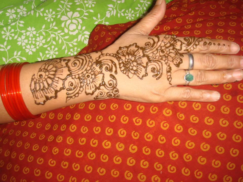 clean and easy hand mehndi designs