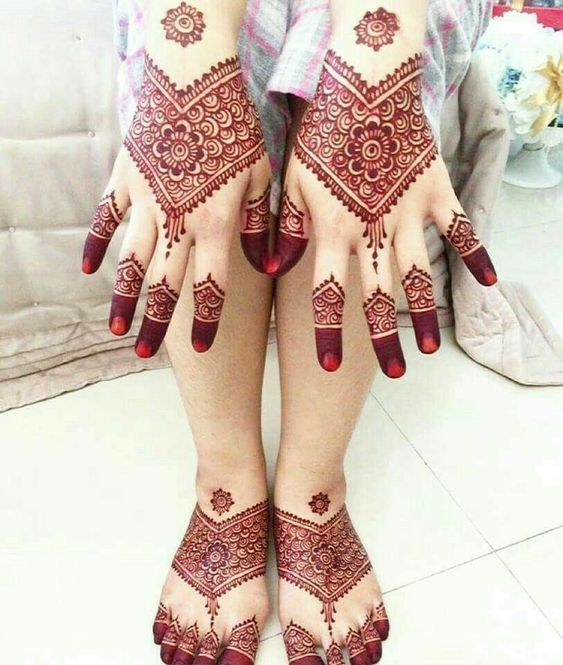henna patterns feet and hand