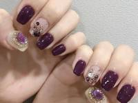 Accented Nude Short Nails
