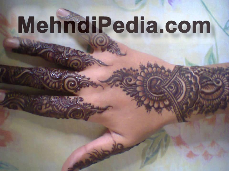 amazing backhand mehndi designs