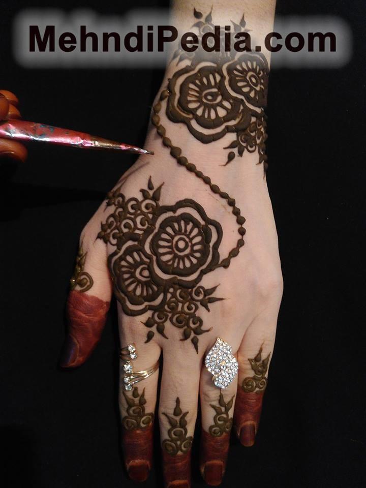 simple flower back hand mehndi designs