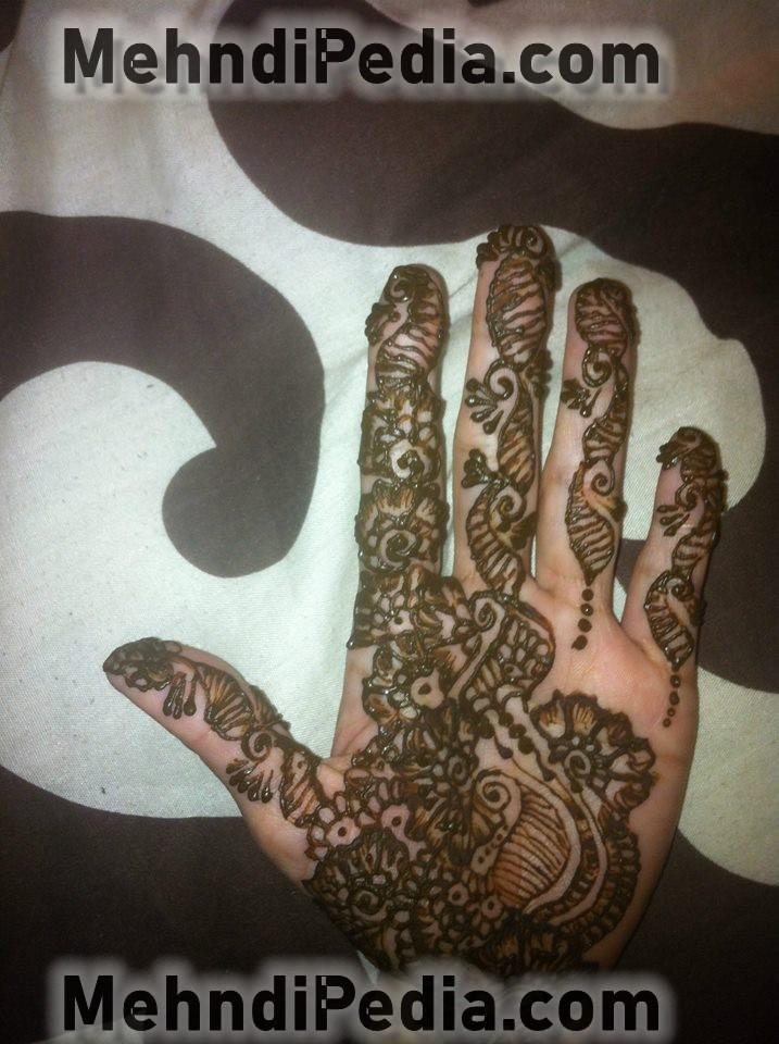 front hand mhendi design