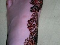 left foot right side mehndi designs step 1