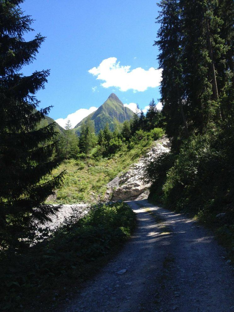 Der Seekogel: Hinter der Spitze verbirgt sich das Tagesziel: Die Memminger Hütte