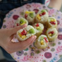 Süßes Sushi mit Pistaziencrunch