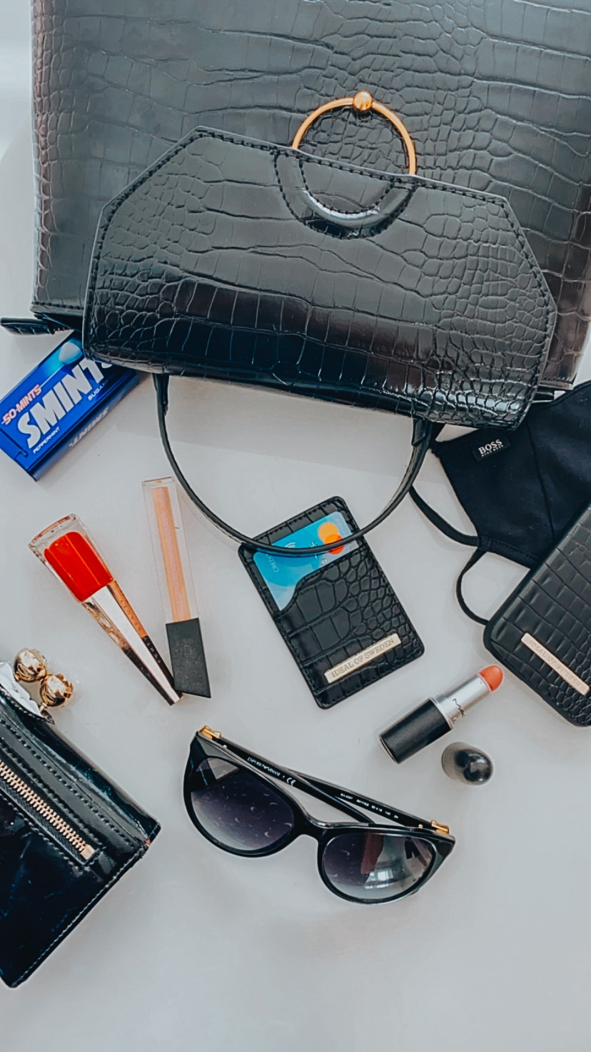 What's inside my Handbag?
