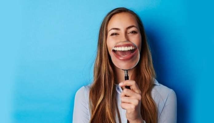 Diş sağlığına iyi gelen yiyecekler neler bu besinler diş çürüğüne sebep oluyor!
