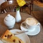 Im Käsekuchen-Café