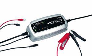 Comparatif démarreur et chargeur de batterie