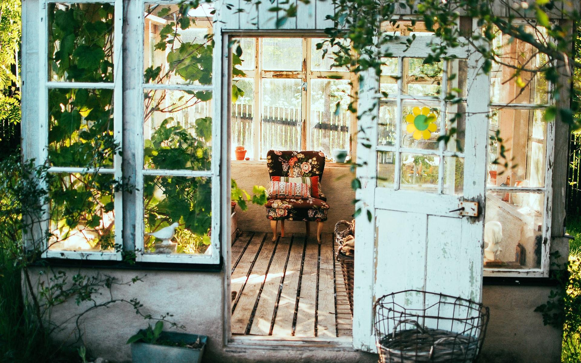 Gartenarbeit im Juni auf dem Gemüsebalkon