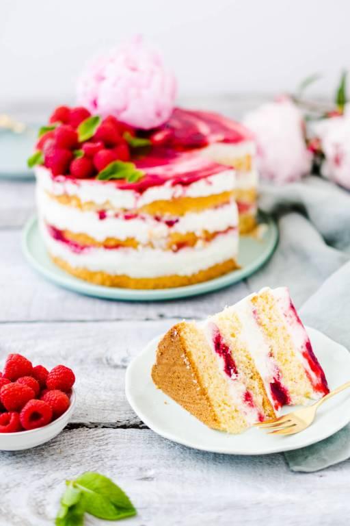 Joghurt-Himbeer-Torte